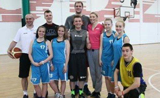 Gwiazdy koszykówki na treningu SMS Marcina Gortata